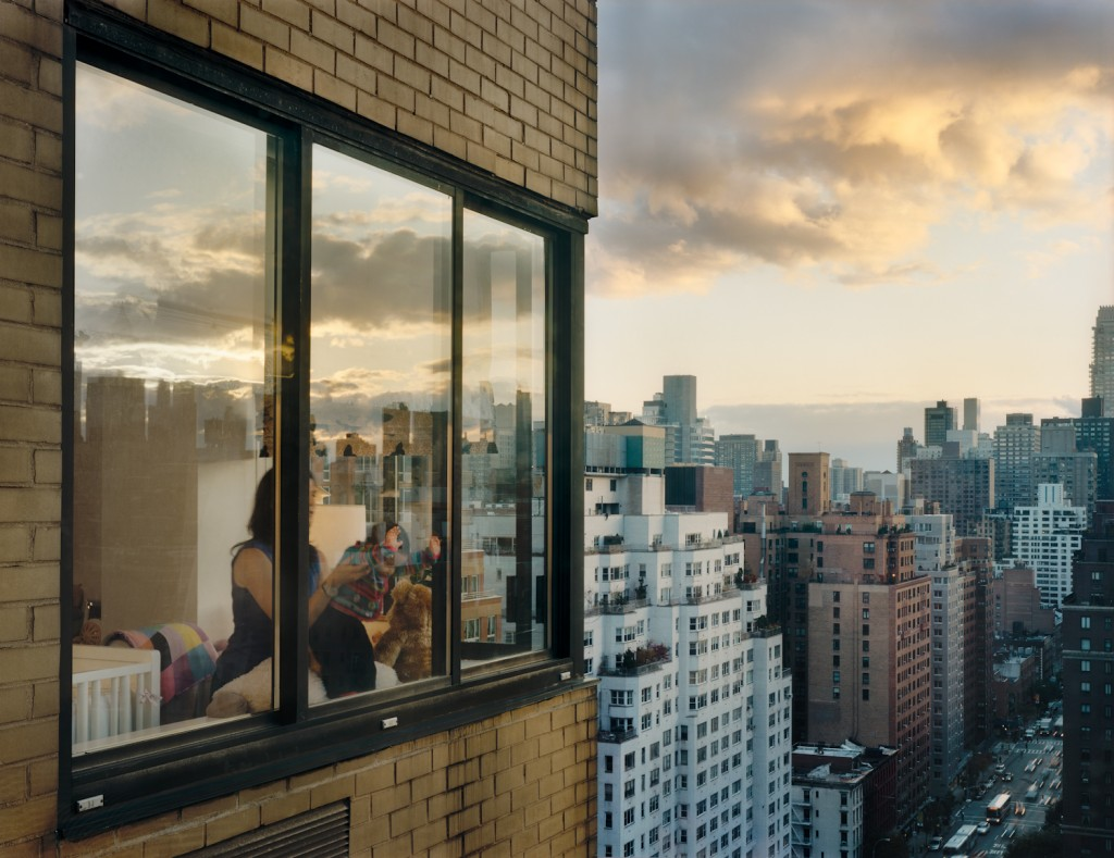 Out My Window, Upper East Side, Baby at Window, 2008, © Gail Albert Halaban, Courtesy Galerie Esther Woerdehoff